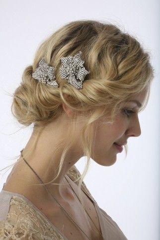 acconciatura sposa capelli lunghi biondi, acconciatura sposa raccolta. Immagini di acconciature sposa: http://www.matrimonio.it/collezioni/acconciatura/2__cat