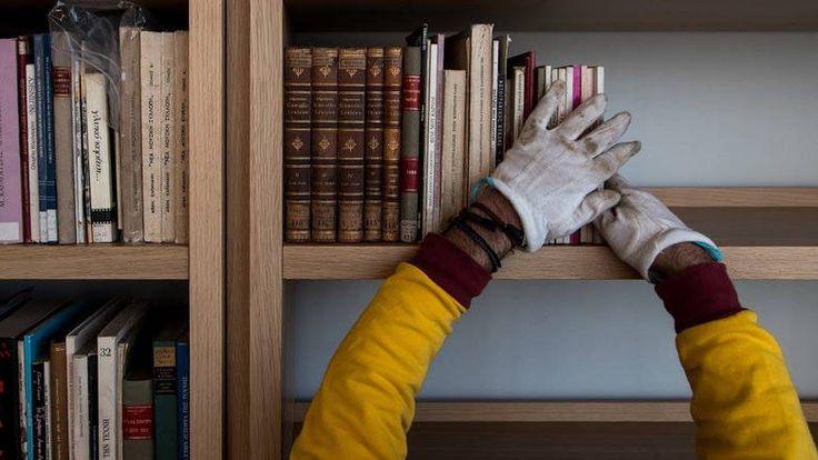 Le Figaro: Η μεγαλύτερη μετακόμιση βιβλίων στην ιστορία της Ελλάδας ξεκίνησε