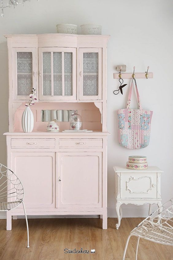 die besten 25 alter k chenschrank ideen auf pinterest shabby chic tabellen cottage esszimmer. Black Bedroom Furniture Sets. Home Design Ideas