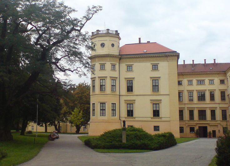 Strážnice . zámek