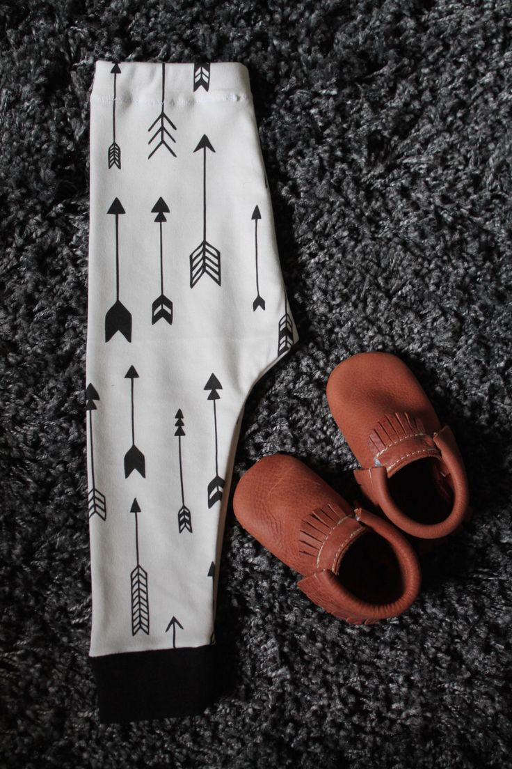 Organic Arrow Baby Leggings, Arrow Leggings, Organic Baby Leggings, Unisex Leggings, Hip Baby Clothes, Hipster Baby Clothes by LilaSophia on Etsy https://www.etsy.com/listing/259100439/organic-arrow-baby-leggings-arrow