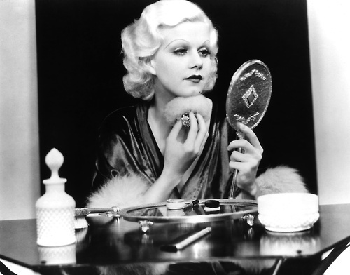 One of my favorite images on this page. Gene Harlow at her mirror. Reminds me of old hollywood glamour.