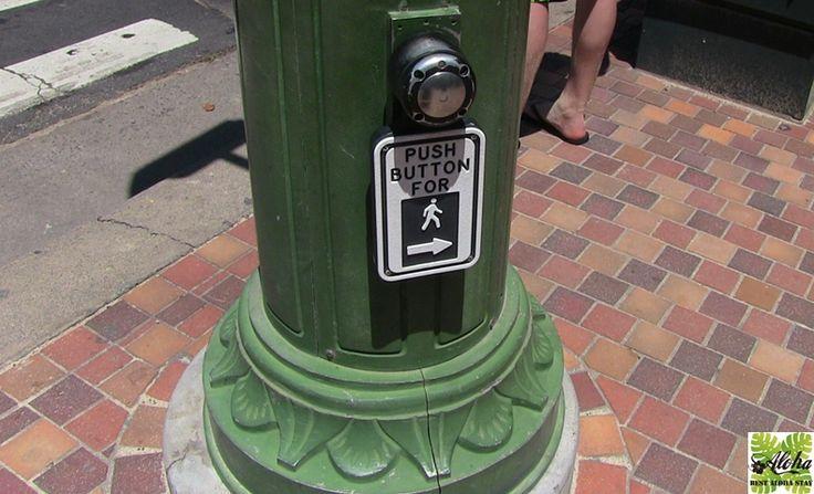 ハワイ・ホノルル市議会で歩きスマホ禁止案が可決 7月12日、ホノルル市議会では歩行者が横断歩道を 渡る際に携帯端末を見ることを禁止する法案を可決。 なお携帯電話で話す事は許可されますが、メールを したり電子モバイルを見ることは禁じられます。 罰金は15ドル~99ドル。 ホノルル市長がこの法案に署名をすると90日後に 法制化されます。 日本でも海外でも、携帯電話はマナーを守って 使用しましょうね。 ご自分の安全のためにも「歩きスマホ」はくれぐれも ご注意下さい。 http://b-alohastay.com/pmh/blog170719/ ----------------------------------- アクア・パシフィックモナーク┃ベストアロハステイ http://b-alohastay.com/pmh/stayplan/special1706/ #アクアパシフィックモナーク #ハワイ好き #ハワイ旅行 #ワイキキ #コンドミニアム #アロハステイキャンペーン #歩きスマホ #Hawaii