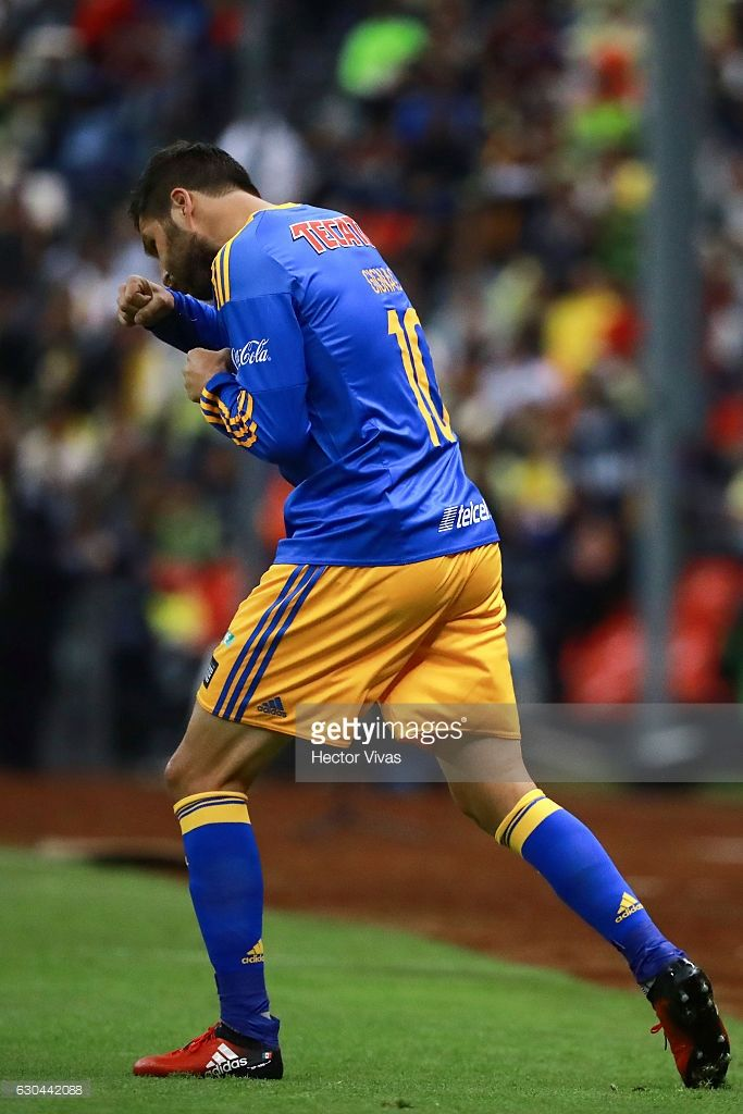 Andre Pierre Gignac of Tigres celebrates after scoring the first goal of his team during the Final first leg match between America and Tigres UANL as part of the Torneo Apertura 2016 Liga MX at Azteca Stadium on December 22, 2016 in Mexico City, Mexico.