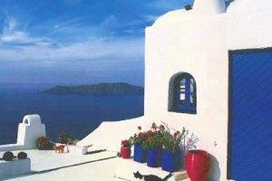verso il bianco delle case e il blu del cielo: Santorini