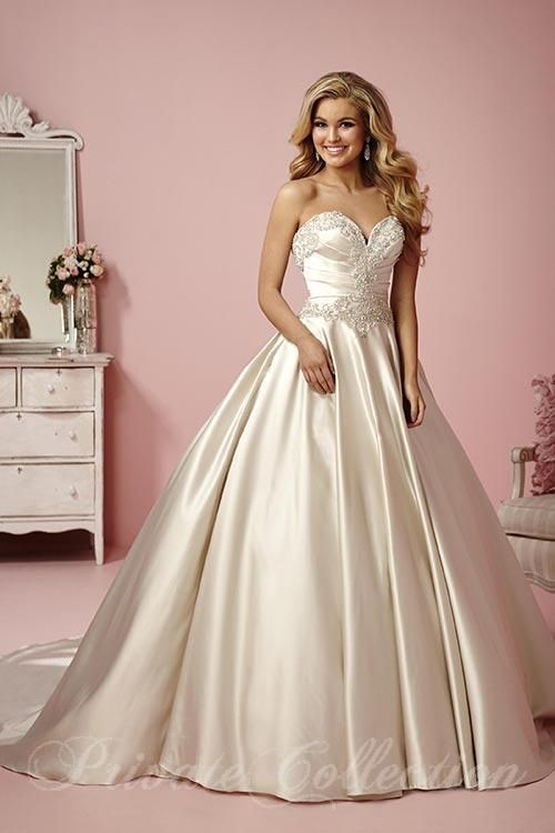 10 best Private Collection images on Pinterest | Short wedding gowns ...