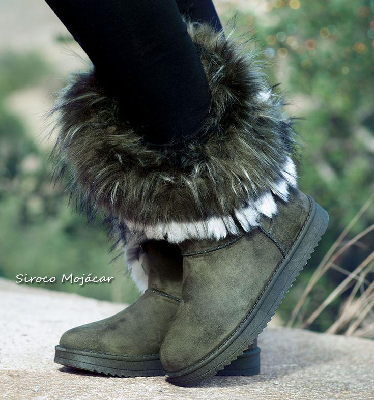 BOTAS AUSTRALIANAS MOSCÚ VERDE  TALLAJE PEQUEÑO. PIDE UNA TALLA MÁS GRANDE  De tipo australianas, con un tejido suave al tacto, calentitas y con la suela más resistente. Diseño y comodidad. #fashion #style #gifts #botas #calzado #zapatos #zapatosdemoda   👉 www.indalas.com Siroco Mojacar tienda de zapatos baratos de mujer