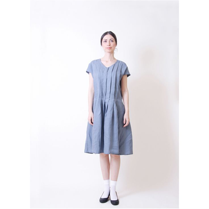 Smooth and soft.  It is one piece using luxury linens.  Fluffy form is feminine atmosphere.  Or the elegant dress with a single, or casual down by layering.   MAGALI pleated linen dress / Blue  http://kanden43.jp/?pid=1513016   #HoldinghandsHerat #MAGALI #Linendress #Piece #LadiesFashion #NaturalFashion #Natural #Naturalsystem #selectshop #Japan #madeinjapan