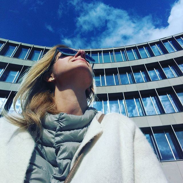 #shottaken of #fridaymood #happyday  hi #sky!  love your bluest shade that can be only while #sunisshinning,  #thebestsynergy, #enjoyyourday #keepthemoment #blueisallaround #blue💙 #chwilotrwaj! #mamtemoc