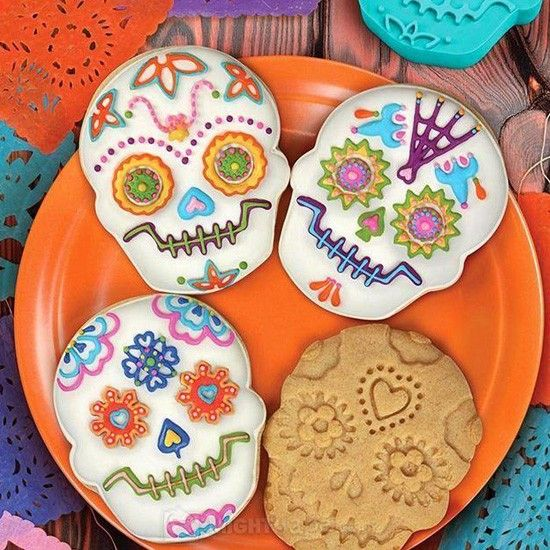 """""""Day of The Dead"""" Cookie Cutter by Fred & Friends       ~Need to get these for Ed! <3"""