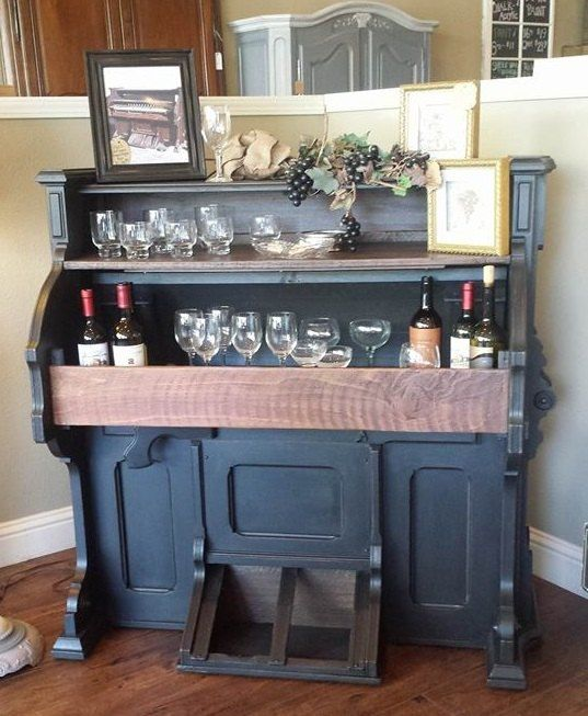 See how I transformed an unwanted old pump organ that was headed to the dump into a beautiful new wine bar! Follow step by step.... This is…