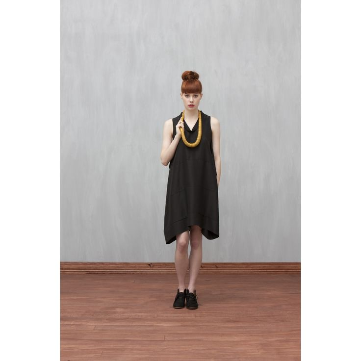 Elk graduated statement necklace. I love this whole look.