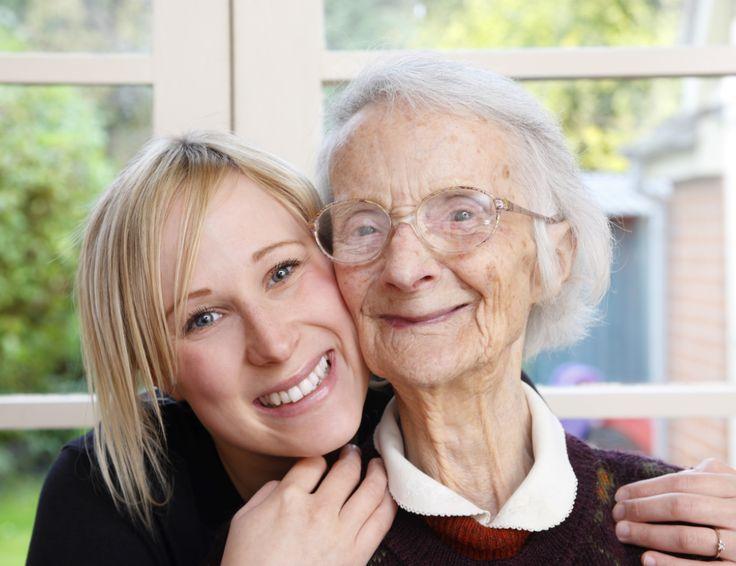 Verpleging en Verzorging; als verzorgende of verpleegkundige bij Careyn heb je een uitdagende en zelfstandige functie waarbij de nadruk op regie, prevente en samenwerking ligt.
