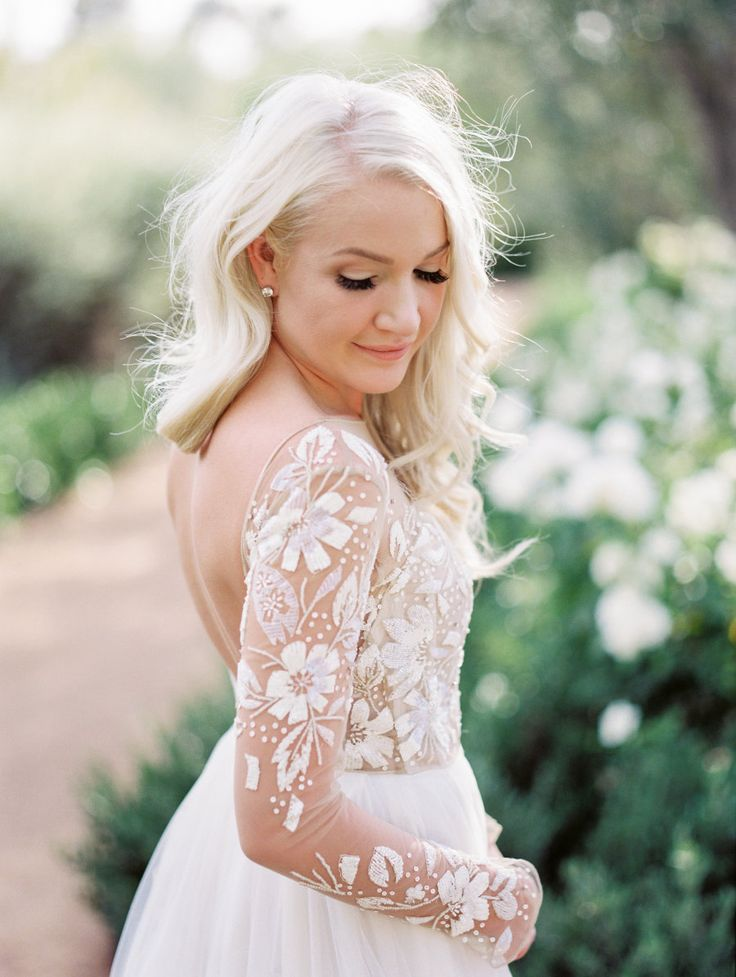This Hayley Paige wedding gown is breathtaking: Photography : Charity Maurer Photography Read More on SMP: http://www.stylemepretty.com/arizona-weddings/paradise-valley/2016/08/11/luxe-destination-wedding-for-two-native-canadians/
