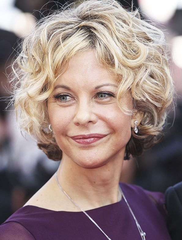 Today is Meg Ryan's birthday. Read how her stile has changed within 30 years: http://www.allure.ru/zvezdy/sekrety_zvezd/75430_evolyutsiya_obrazov_meg_rayan.php