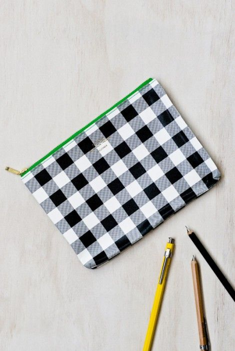What's not to love in this cute gingham pouch?! Buy Delfonics - Gingham Pouch - Medium - NoteMaker Stationery. Japanese stationery at NoteMaker.com.au