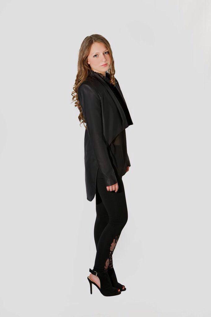 Chaqueta de Esmoquin, Chaqueta de Vestir, Blazer, Sastre Futurista de EstelaRosso en Etsy https://www.etsy.com/es/listing/231120275/chaqueta-de-esmoquin-chaqueta-de-vestir