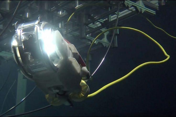 Kicsi Naphal, avagy egy kicsit robot fog beúszni a sérült fukusimai reaktorba.  http://ahiramiszamit.blogspot.ro/2017/06/kicsi-naphal-avagy-egy-kicsit-robot-fog.html