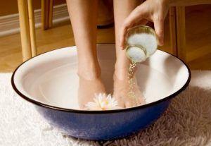soak-your-feet-in-apple-cider-vinegar-2
