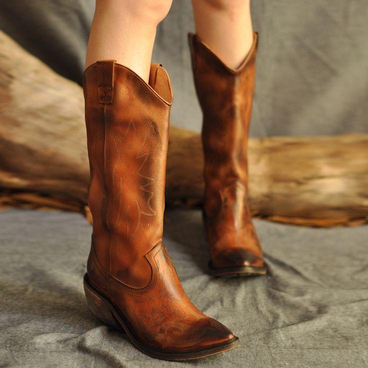 Ковбойские сапоги от Artmu   Оригинальные женские кожаные сапоги на толстом каблуке в ковбойском стиле. Толстый каблук высотой — 6,5 см. Бренд: Artmu. ☮️Цена: 9 500 руб. Под заказ. Доставка из Китая 2-3 недели. +7 (916) 051-60-02 (whatsapp, viber, telegram). Больше моделей и фотографий на сайте: ➡️bohomagic.ru. ➡️http://bohomagic.ru/shop/for-her/artmu-kovbojskie-sapogi/ #бохомагазин #бохошик #бохоодежда #одеждабохо #богемнаяодежда #бохостиль #бохостайл #стильбохо #богемныйстиль #бохообраз…