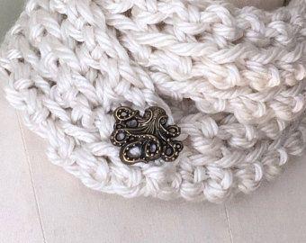 Bufanda pañuelo para el cuello botón bufanda / abrigo bufanda / bufanda del ganchillo / pulpo bufanda / bufanda de crema