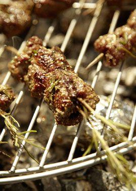 Schweinefilet-Rosmarin-Spiesse - Grillen: Fleisch, Geflügel, Fisch  Co. - [LIVING AT HOME]
