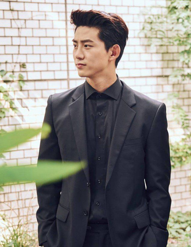 'Hey Ghost, Let's Fight' drops super handsome behind cuts of #Taecyeon | http://www.allkpop.com/article/2016/08/hey-ghost-lets-fight-drops-super-handsome-behind-cuts-of-taecyeon