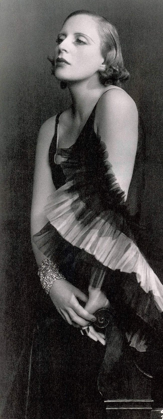 Tamara de Lempicka, aka Maria Górska - 1929 - Dress by Marcel Rochas - Photo by Dora Kallmus, Studio d'Ora, Paris