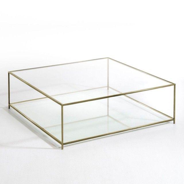 La table basse carrée Sybil. Son élégance et sa transparence imposent un style tout en légèreté.Caractéristiques :- Structure en métal finition laiton vieilli.- 2 plateaux en verre trempé, épaisseur 8 mm.Dimensions :- L100 x H33 x P100 cm.Dimensions et poids du colis :- L113 x H41,5 x P109,5 cm, 51,2 kgLivraison chez vous :Votre table basse sera livrée chez vous sur rendez-vous, même à l'étage !Attention ! Veuillez vérifier que les ouvertures (portes, escaliers, ascenseurs) permettront le…