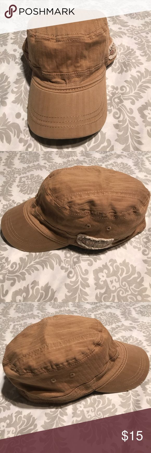 American Eagle Outfitters Unisex military hat American Eagle Outfitters unisex military hat Army cap. EUC. Size S-M. Elastic all around the inner rim, give it a more extra stretch for better fitting. 97% Cotton and 3% Spandex American Eagle Outfitters Accessories Hats