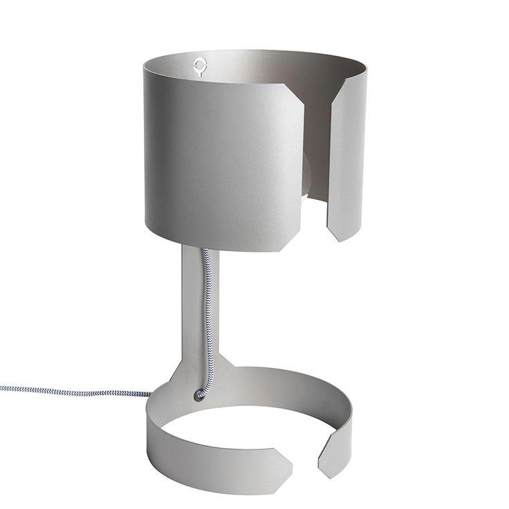 Tischleuchte Waltz Stahl Jetzt bestellen unter: https://moebel.ladendirekt.de/lampen/tischleuchten/beistelltischlampen/?uid=90073a0c-a093-5170-9c91-c9839c885c75&utm_source=pinterest&utm_medium=pin&utm_campaign=boards #lampen #tischleuchten #modern #design #beistelltischlampen Bild Quelle: www.lampenundleuchten.de