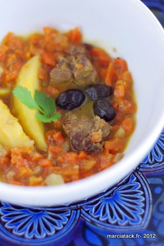 Mijoté de carottes-agneau-pommes de terre, façon tajine {Délicook} - Recette - Marcia Tack