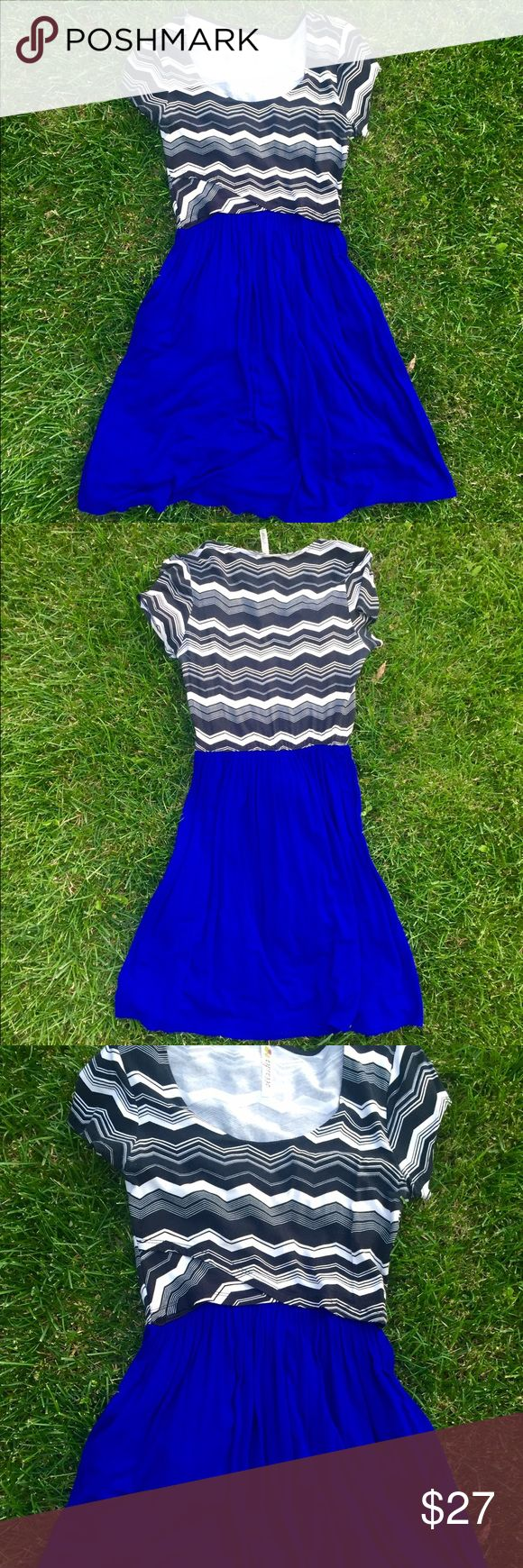 Royal Blue & Chevron Dress  Like new! Only worn once! Pretty chevron top, stretch material, and very comfortable. Espresso Dresses Midi