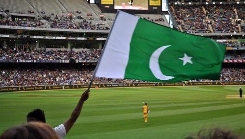 Meet Yasir Jan, an Ambidextrous Bowler from Pakistan - http://www.tsmplug.com/tennis/meet-yasir-jan-an-ambidextrous-bowler-from-pakistan/