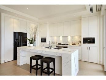 White + shone + dropped sinks + 2 ovens