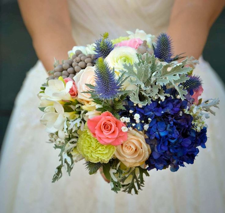 Want to have Rome wedding florist who is as good as your wedding venue and wedding dress? We have an experienced Rome wedding florist to work fast on your floral demands and decorate your wedding amazingly with flowers.