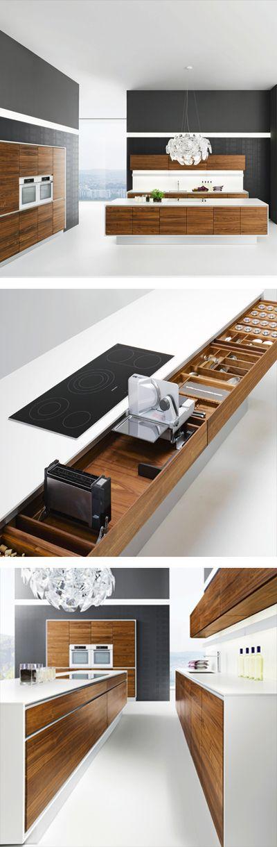 Moderne Küche aus Holz mit praktischen Stauraum-Ideen
