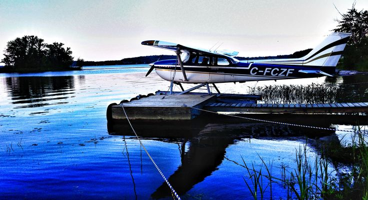 Hydra-plane on Stocco Lake.