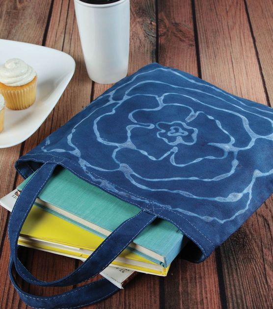 Create a Spring Tote Bag! #DIY: Floral Totes, Sewing Projects, Totes Purses Coins Pur, Denim Purse, Denim Totes Purses Coins, Bleach Pen, Totes Bags, Crafts Projects, Blue Floral