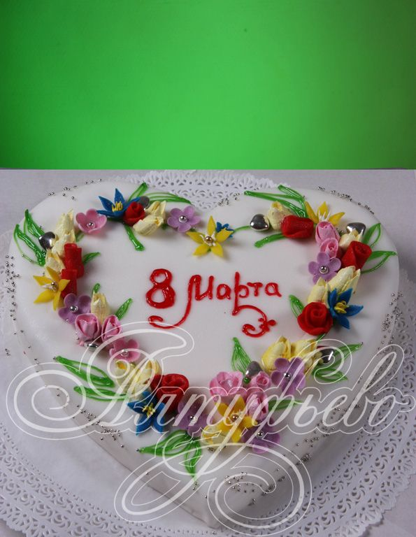 Торт к 8 марта цветочный веночек № m10