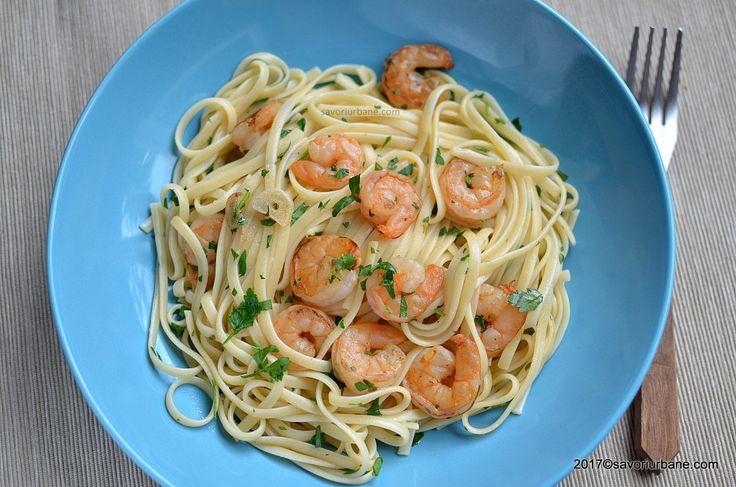 Paste cu creveti reteta simpla si rapida de spaghetti sau linguine cu creveti, foarte usor de preparat. Se poate face cu creveti proaspeti sau congelati si