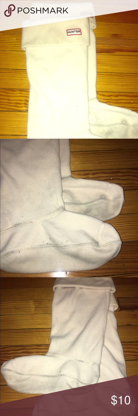 Hunter boot liners Cream, size large(8-10) WOMENS boot liners from Hunter. Somewhat worn and some discoloration on the bottom but top is in perfect condition Hunter Boots Other