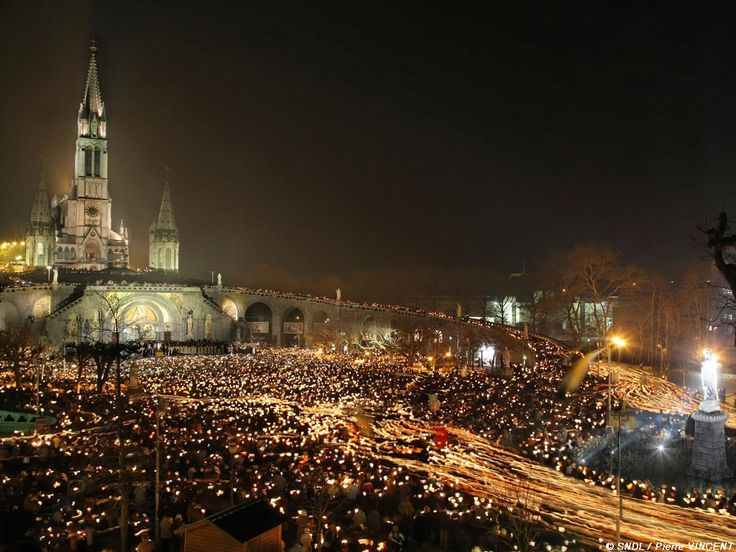 The unforgettable Torchlight Marian Procession takes place in Lourdes each evening until the end of October, as it has done since 1872.
