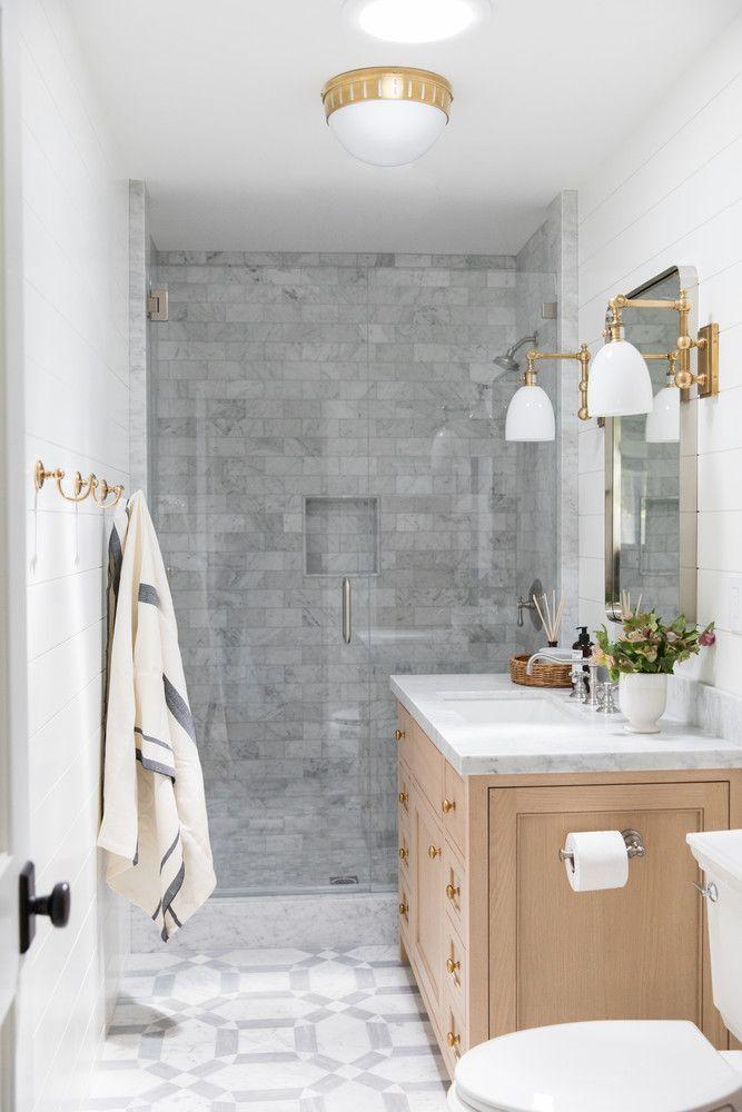 Modern California Home With Neutrals And Jewel Tones Mit Bildern Badezimmer Einrichtung Badezimmer Innenausstattung Badezimmer Design