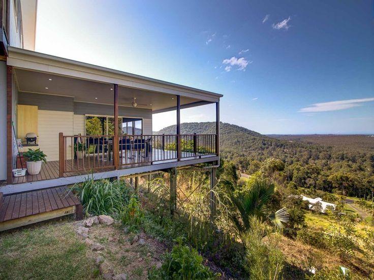 Split level designs are perfect for capuring stunning hinterland views | Tru-Built Builders Queensland
