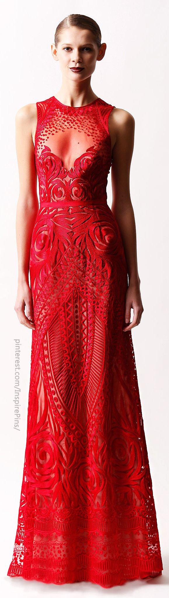This red dress is absolutely stunning! I wish i had an occasion EVER to wear a dress like this!