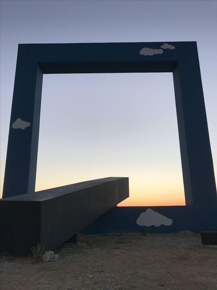 Fiumara d'arte, Finestra sul mare, Monumento ad un poeta morto