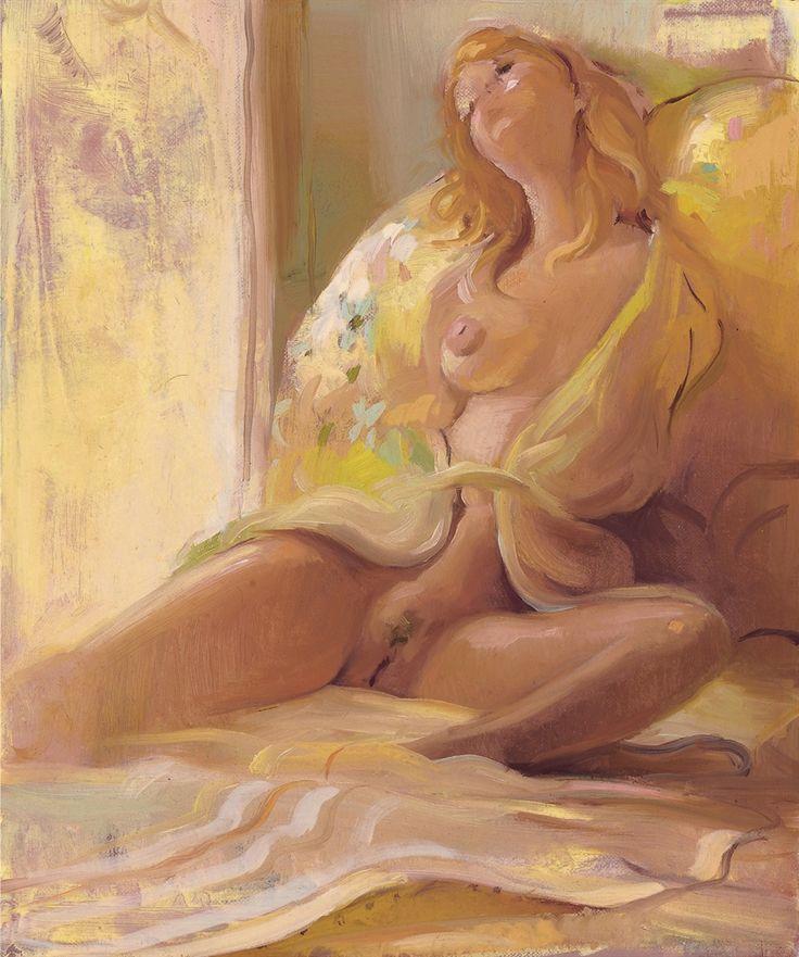 Adolescente desnuda sale del pastel