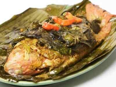 Pepes Ikan Nila - Panduan bikin video dan cara membuat resep pepes ikan nila cianjur duri lunak presto bakar bumbu kuning khas sunda yang paling enak dan pedas ada disini.
