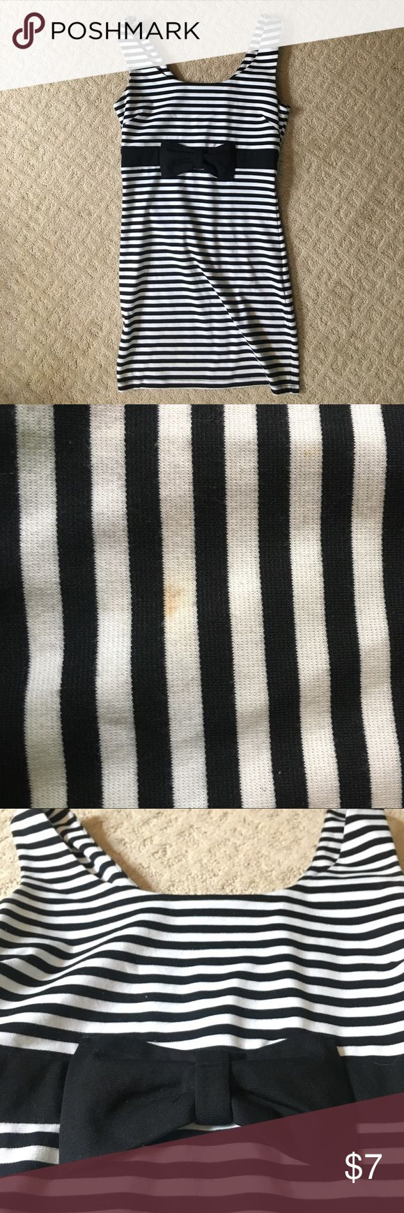 Striped Bodycon Dress with Bow Item includes zipper in the back and is stretchy and comfortable. No rips or tears, from a smoke free home. One small stain shown in the second picture. Forever 21 Dresses Mini
